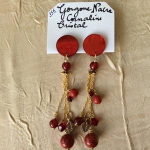 Nacre, gorgone, cornaline et cristal (Swarovski) | 35 €