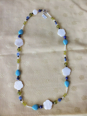 Serpentine, cyanite, lapis lazuli, nacre, onyx   NC €