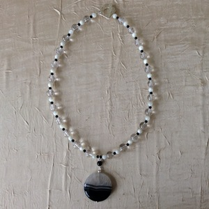 Cristal de roche Nacre Onyx Pendentif en agate   50 €